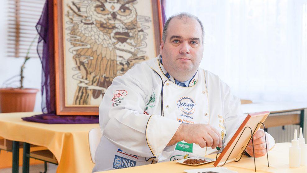 bagoly cukrász-olimpia cukrászmester gasztro-művészeti versenyek gasztronómiai világbajnokság indián-rizs kávészemek nemzetközi cukrászverseny rizs rizsképek rizsszem szurovecz kitti tóth lászló