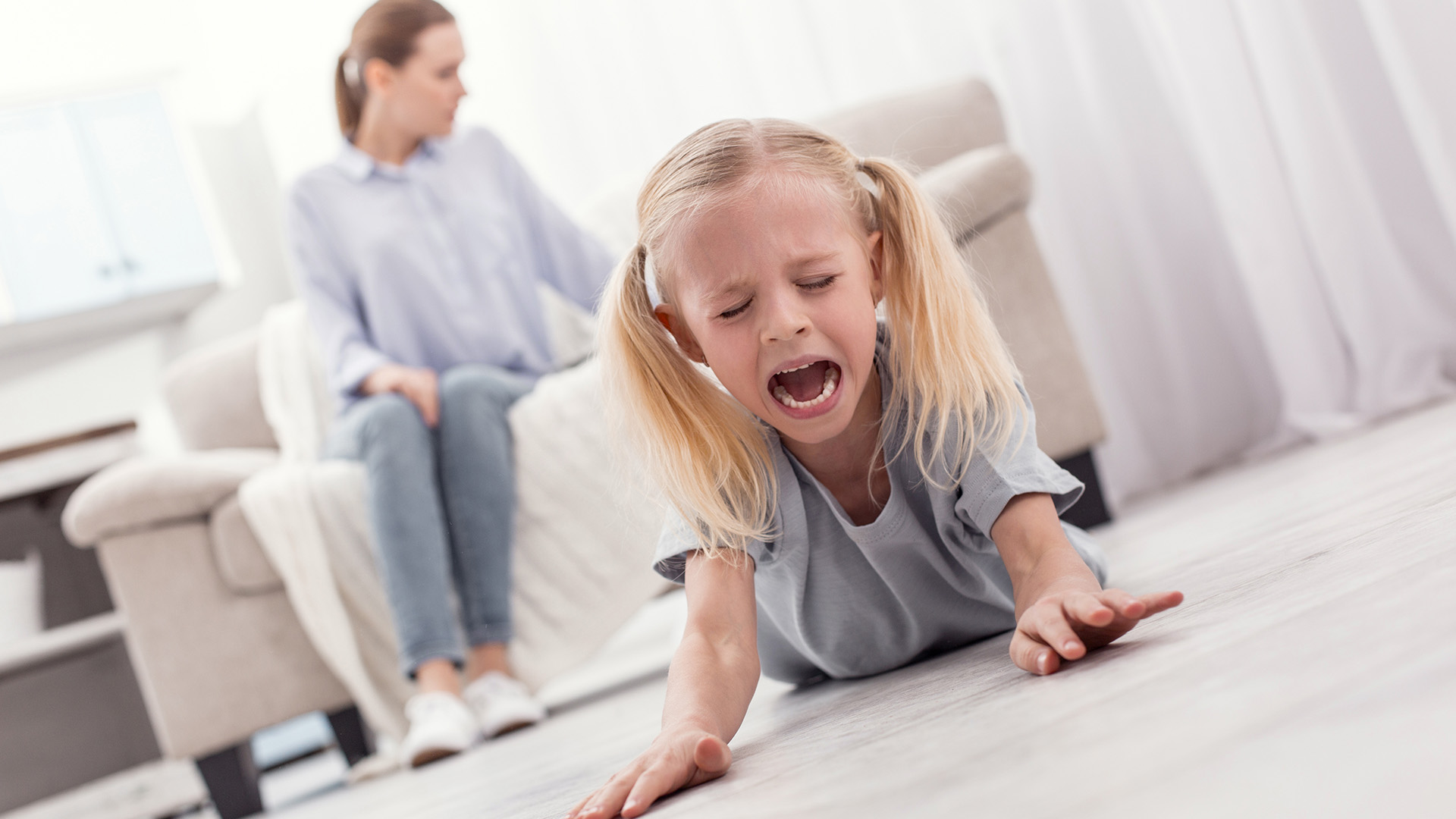 bata kata dühkitörések éretlenség figyelemelterelés gyerek hiszti hiszti üzemmód hisztiroham indulatkitörés következetesség közöny