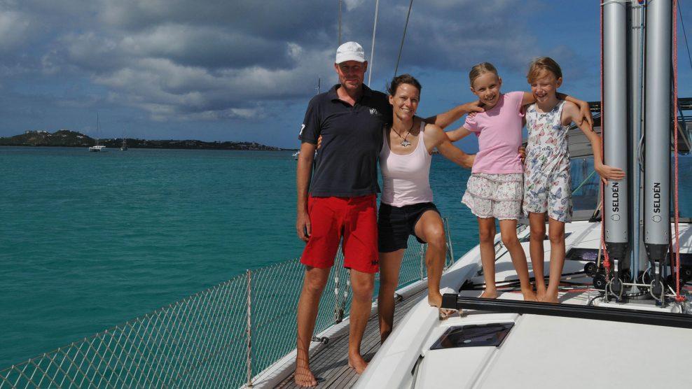 b. molnár márk bősze házaspár életforma fényképész kapitányi képesítés karib-tenger nővér programtervező matematikus tanítónő vitorlás-tanfolyam vitorláshajó