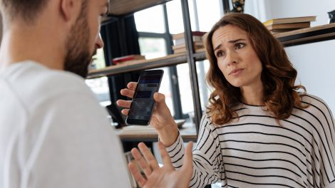 dr. belső nóra eltávolodás érzelmi megcsalás félrelépés önbizalom pszichiáter szexuális viszony titkos üzenetek ványik dóra
