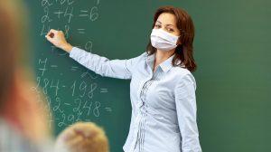 diákok felső tagozat gosztonyi gábor iskola jelenléti oktatás középiskolások oktatás pedagógusok pedagógusok szakszervezete tanulmányok ványik dóra