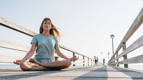 bata kata betegség emésztés hiánya érzelmek elfojtása érzelmi konfliktusok étvágytalanság gyors légzés izmok közvetlen reakció stresszkezelés traumák vállak felhúzása