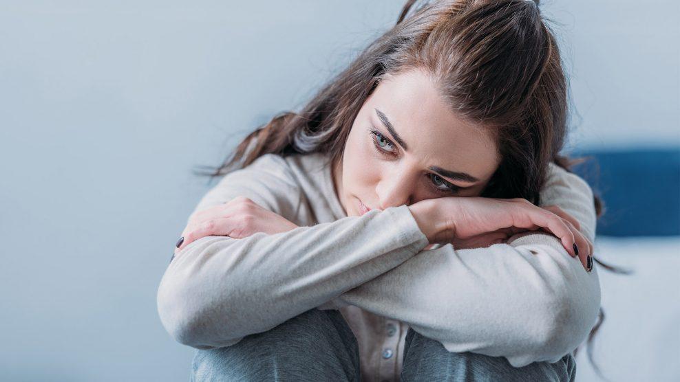 alvásproblémák bata kata biztonság émelygés feszültség fizikális tünetek kétségbeesés mantrázás mentális problémák önbizalom önmarcangolás problémák szakszerű segítség szorongás túlgondolás túlreagálás